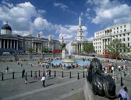 Book a hotel near Trafalgar Square