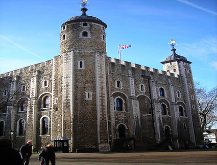 Book a hotel near Jewel Tower