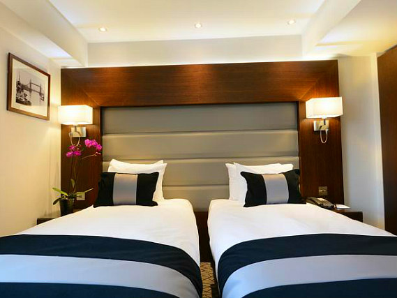A twin room at Hyde Park Premier Hotel is perfect for two guests