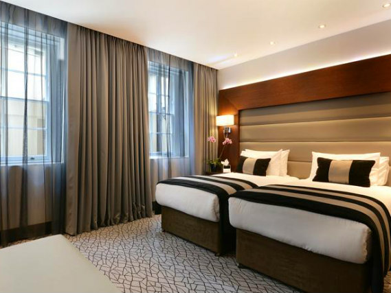 Triple rooms at Hyde Park Premier Hotel are the ideal choice for groups of friends or families
