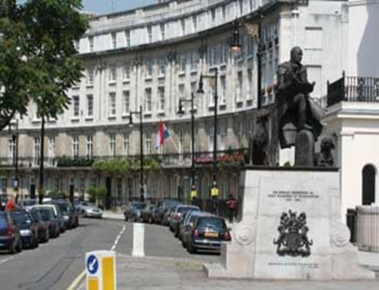 Book a hotel near Belgrave Square