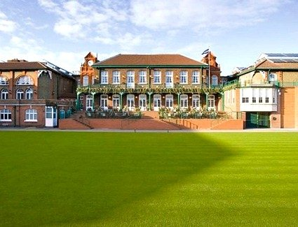 Book a hotel near Queens Club