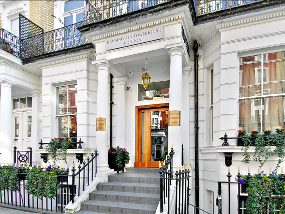 Kensington Town House is situated in a prime location in Earls Court close to Natural History Museum