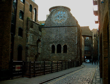 Book a hotel near Winchester Palace