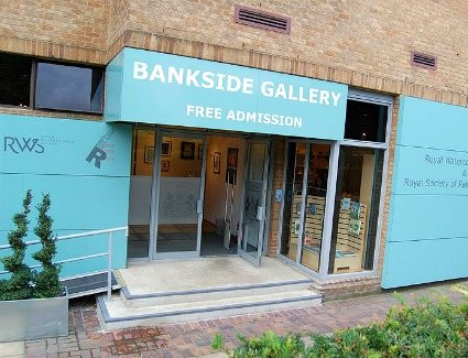 Book a hotel near Bankside Gallery