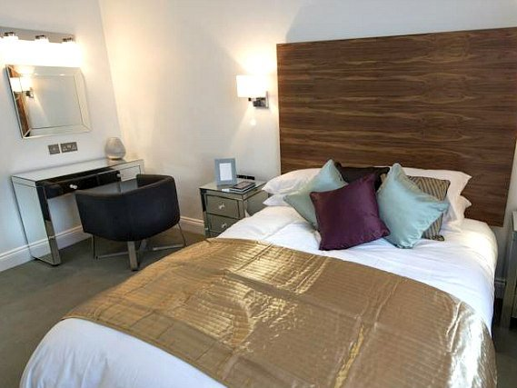 A double room at Commodore Hotel London is perfect for a couple