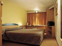 A typical double room at Ibis Hotel Heathrow