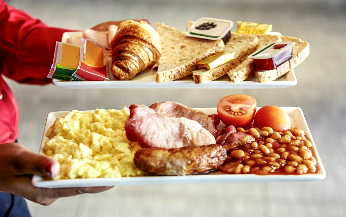 Enjoy a great breakfast at Ibis London Heathrow Airport