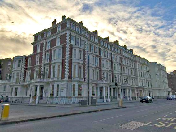 Kensington Rooms Hotel is situated in a prime location in Kensington close to Natural History Museum