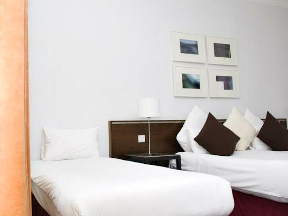 Triple rooms at Kensington Rooms Hotel are the ideal choice for groups of friends or families