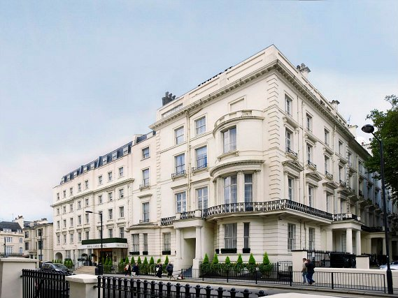 Royal Eagle Hotel London is situated in a prime location in Paddington close to Edgware Road