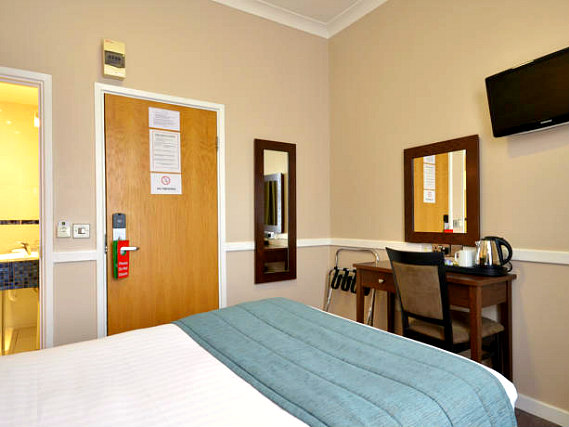 A double room at The Princes Square Hotel is perfect for a couple
