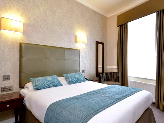 Get a good night's sleep in your comfortable room at The Princes Square Hotel