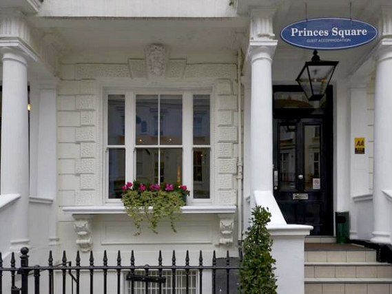The Princes Square Hotel is situated in a prime location in Bayswater close to Queensway