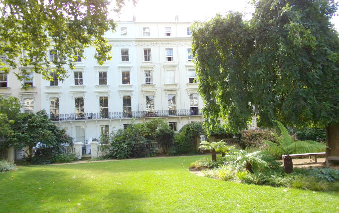 The attractive gardens and exterior of Wedgewood Hotel London