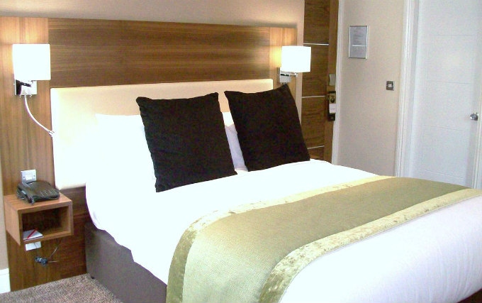 A typical double room at Hotel Mercure London Bloomsbury
