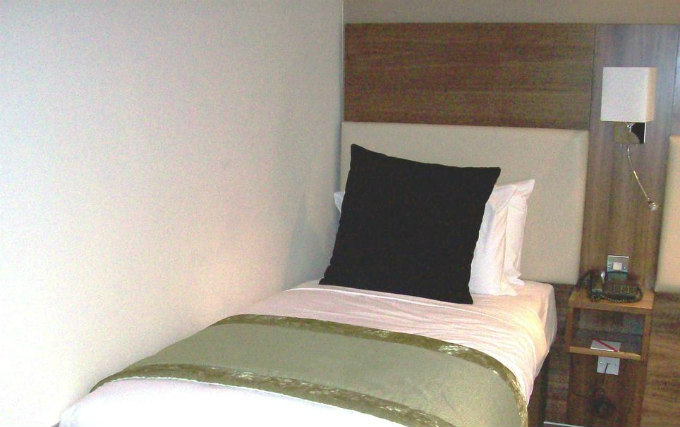 A single room at Hotel Mercure London Bloomsbury
