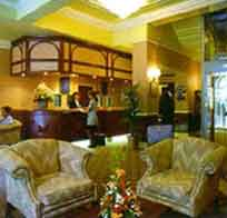 The intimate Dean's Bar in the Waverley House Hotel