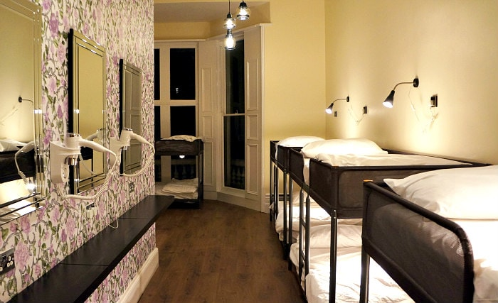 A newly refurbished female-only dorm room with en-suite bathroom at Barkston Rooms
