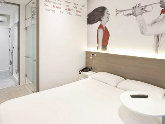 A double room at Enterprise Hotel London
