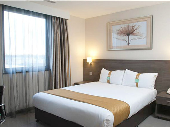 Get a good night's sleep in your comfortable room at Holiday Inn London Kingston South