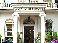 The regal and welcoming entrance to Nayland Hotel London