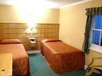 A typical twin room at Nayland Hotel London