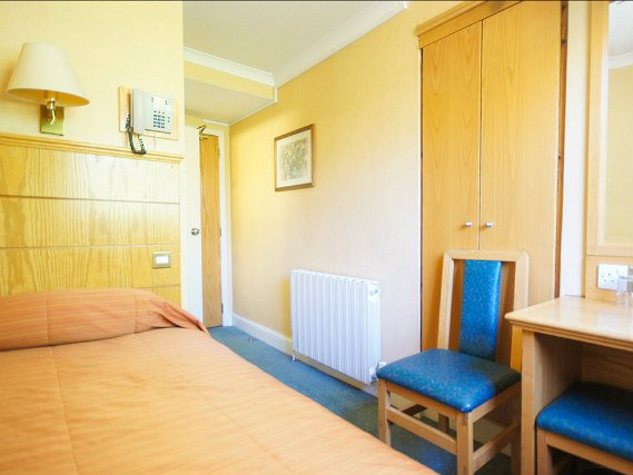 Single rooms at Nayland Hotel London provide privacy