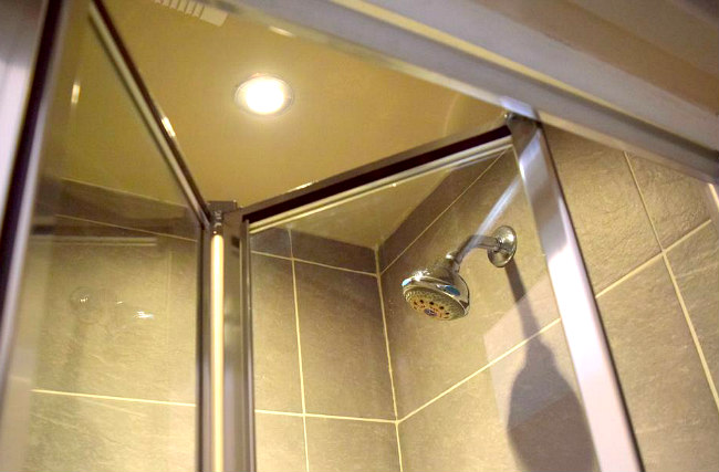 A typical shower system at Griffin House Hotel