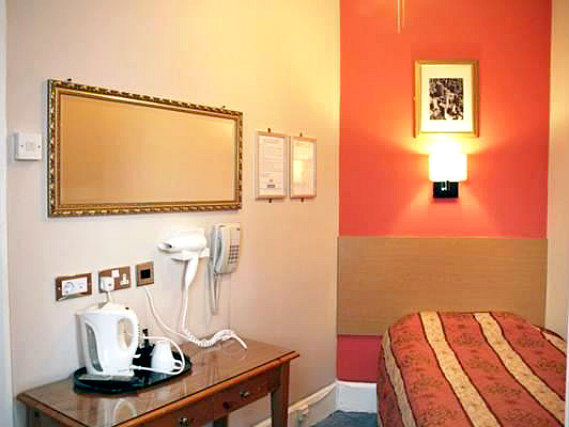 Single rooms at Grapevine Hotel provide privacy