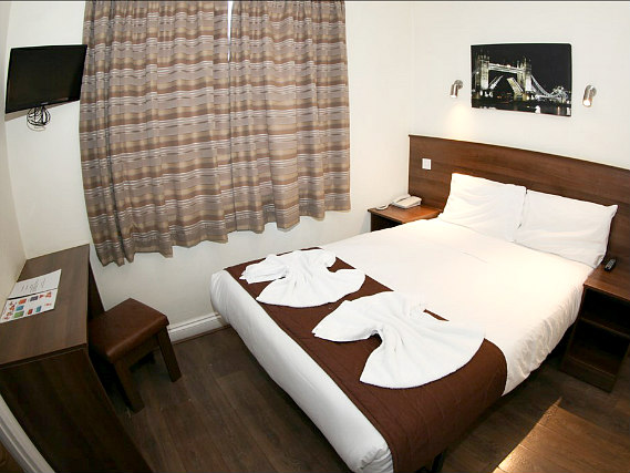 A double room at Ascot Hyde Park Hotel is perfect for a couple