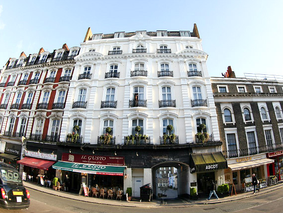 Ascot Hyde Park Hotel is situated in a prime location in Paddington close to Marble Arch