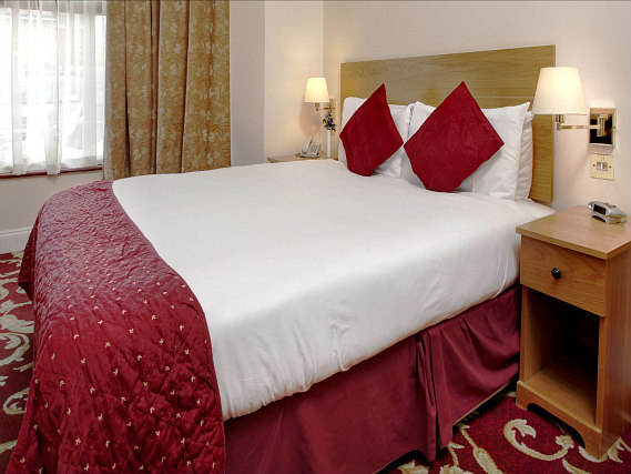 Get a good night's sleep in your comfortable room at Best Western Ilford Hotel