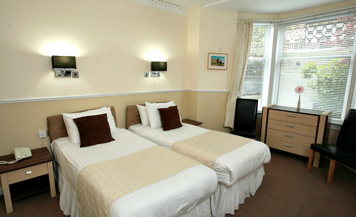 A twin room at Kelvingrove Hotel Glasgow is perfect for two guests