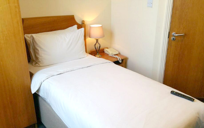 Single Room at Victor Hotel London Victoria