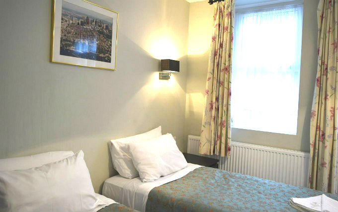 Twin room at Plaza Hotel Hammersmith