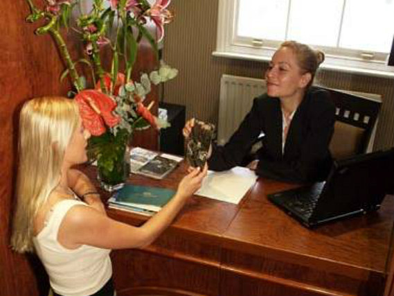 Opulence Hotel London has a 24-hour reception so there is always someone to help