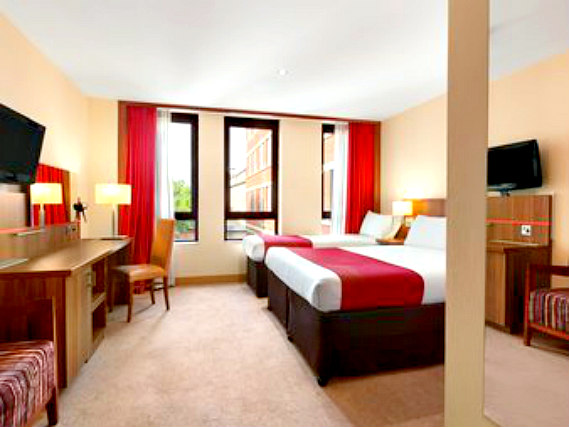 Triple rooms at Ramada Hounslow - Heathrow East are the ideal choice for groups of friends or families