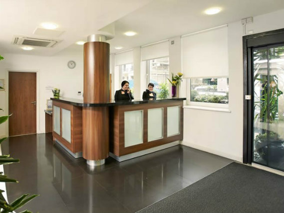Ambassadors Hotel London Kensington has a 24-hour reception so there is always someone to help