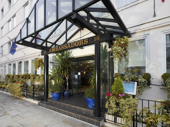 Ambassadors Hotel London Kensington is situated in a prime location in South Kensington close to Gloucester Road Tube Station