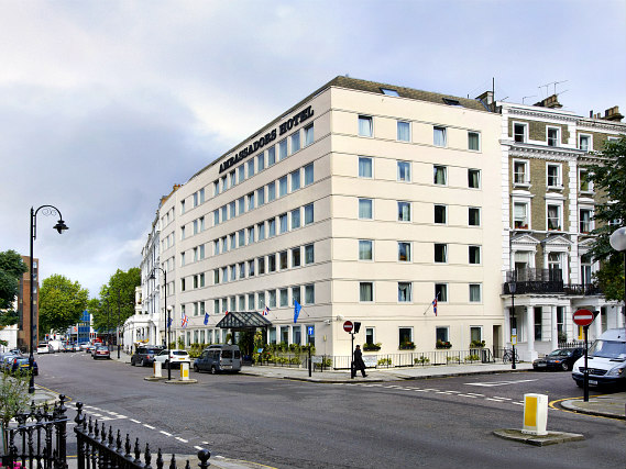 Ambassadors Hotel London Kensington is located close to Gloucester Road Tube Station