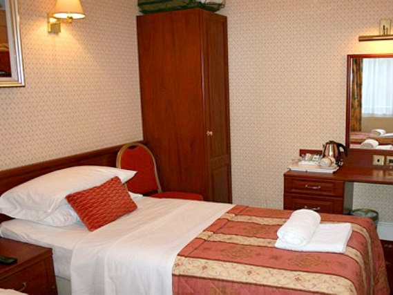 Single rooms at Avon Hotel London provide privacy