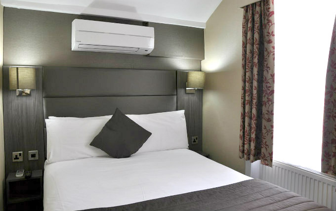 A typical double room at Brunel Hotel