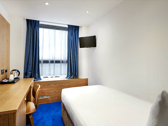 Single rooms at Central Park Hotel London provide privacy