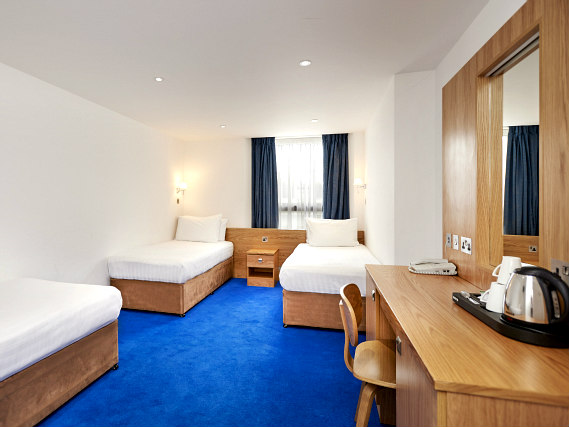 Quad rooms at Central Park Hotel London are the ideal choice for groups of friends or families