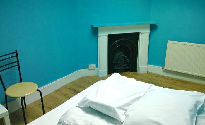 A double room at Queen Elizabeth Hostel Hammersmith is perfect for a couple