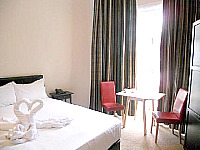 Another Double room at 27 Paddington Hotel