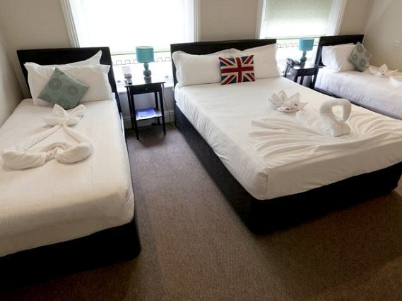 Quad rooms at O Paddington Hotel are the ideal choice for groups of friends or families