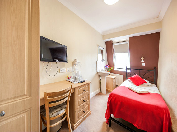 Single rooms at Fairway Hotel London provide privacy
