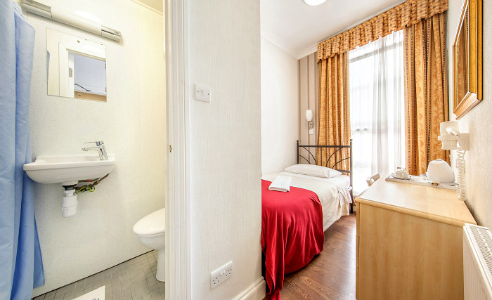 A single room at Fairway Hotel London